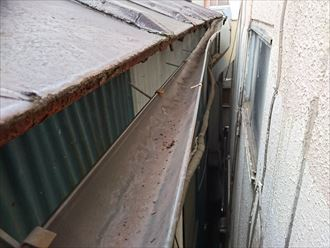 台東区の雨漏り調査、屋根から再調査を行いました
