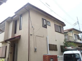 文京区 屋根点検の対象となるお住まい 外壁はチョーキング(白亜化)が発生している