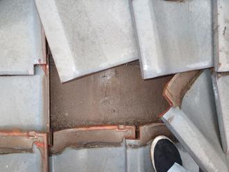 板橋区で瓦屋根からの雨漏り発生!瓦下地の劣化