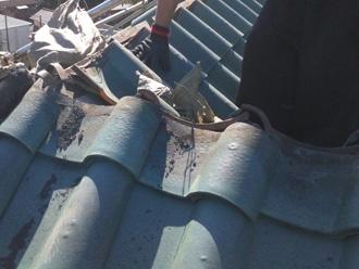 新宿区でD'sルーフィングを使った屋根葺き替え 屋根材撤去