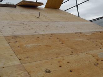 新宿区でD'sルーフィングを使った屋根葺き替え 野地板の設置