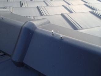 板橋区で平型瓦が落下!棟瓦の釘抜けや漆喰の劣化を確認