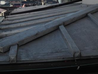 台東区 屋根カバー工法前の点検 下屋の屋根