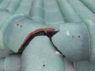 豊島区 棟瓦の接合部に漆喰処理されていない