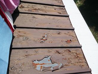 瓦棒屋根の塗膜の劣化