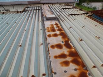 折半屋根のサビ