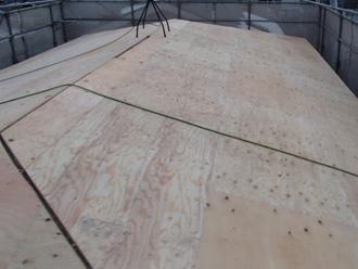 文京区 屋根葺き替え工事 新しい野地板を設置