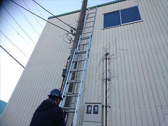 台東区の会社様から倉庫屋根の補修工事調査依頼を頂きました