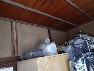 墨田区でパラペットの屋根葺き替え工事、室内の雨染み