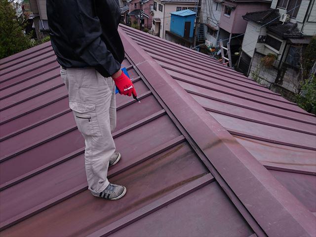 葛飾区縦葺き雨漏り大001