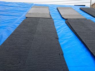葛飾区|雨漏り発生に伴いラバーロック工法を施工した瓦をコロニアルへ葺き替え、ケイミュー遮熱グラッサ