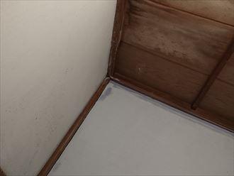 葛飾区|雨漏り発生に伴いラバーロック工法を施工した瓦をコロニアルへ葺き替え、室内の雨染み