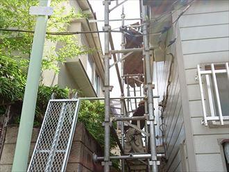 葛飾区|雨漏り発生に伴いラバーロック工法を施工した瓦をコロニアルへ葺き替え、足場架設