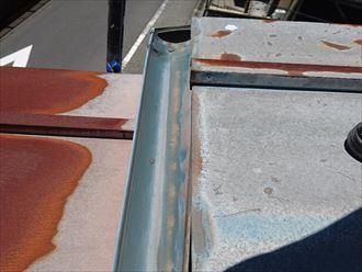 葛飾区|雨漏り発生に伴いラバーロック工法を施工した瓦をコロニアルへ葺き替え、雨樋の状態