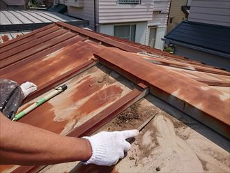 葛飾区トタン屋根塗装003
