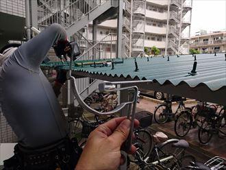 江東区変わった樋吊り金具施工002