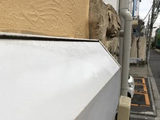 シャッターボックスの凹み