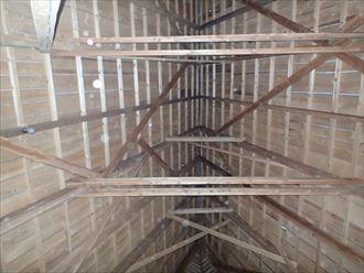 屋根内部の構造様子
