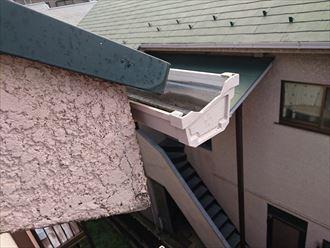 豊島区樋の隙間雨漏り雹災?003