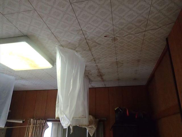 室内雨漏り3