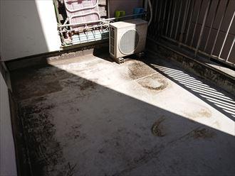豊島区ベランダからの雨漏り001