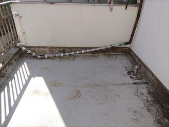 豊島区ベランダからの雨漏り002