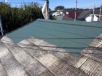 スレート屋根塗装・中塗り