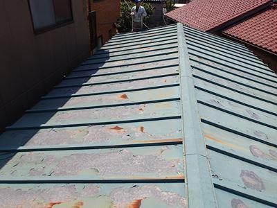 カバー工事前の瓦棒屋根