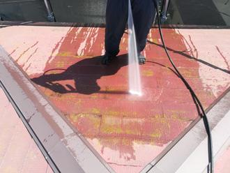 渋谷区 屋根塗装 高圧洗浄で苔や汚れを除去