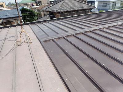 部分的屋根カバー工法施工後