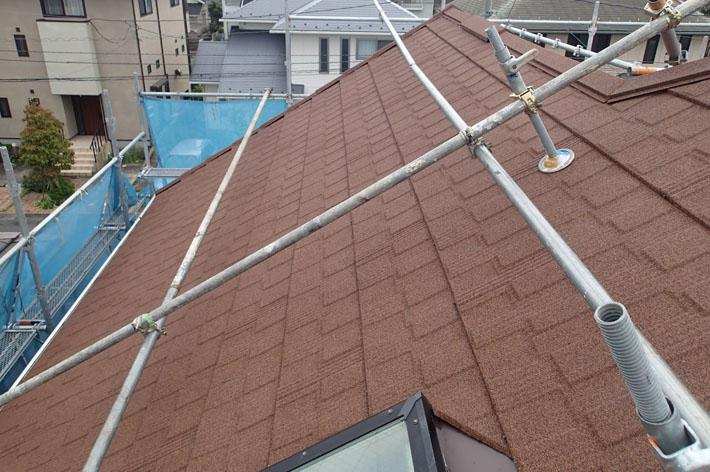 エコグラーニによる屋根カバー工法、竣工
