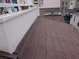 屋根カバーで雹害を補修