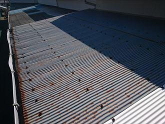 アスベスト含有の小波スレート葺き替え