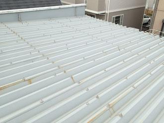 状態の良い折板屋根