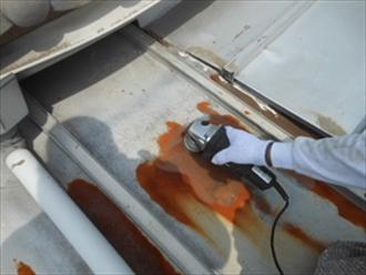 錆や旧塗膜の除去