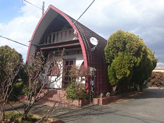 調布市 屋根と外壁が一体となった特殊な建物の調査