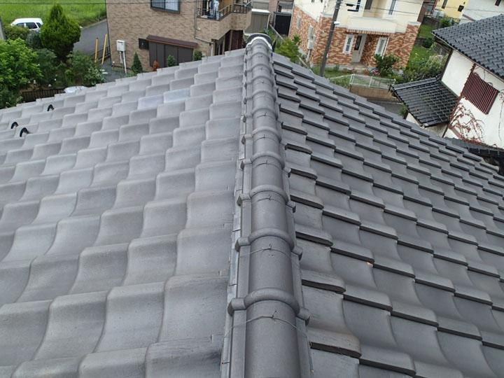 ギングロの瓦屋根