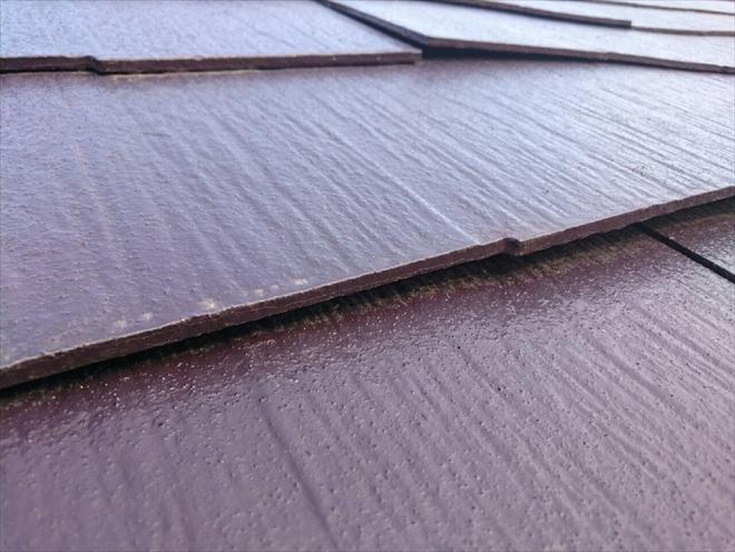 剥離し始めた屋根