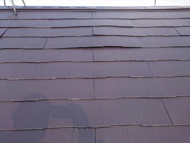 波打ったスレート屋根