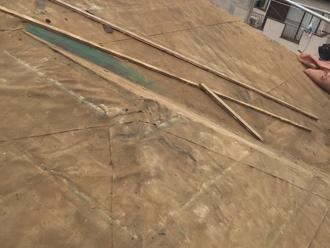 立川市 屋根葺き替え工事 防水紙も劣化している