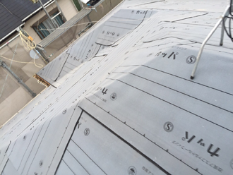 立川市 屋根葺き替え工事 防水紙取り付け
