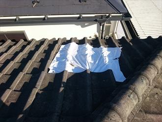 練馬区にてセメント瓦が台風で飛散、軽くて丈夫な金属屋根材で葺き替えます