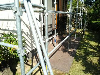 武蔵野市 外壁塗装用の足場を使って漆喰も補修する