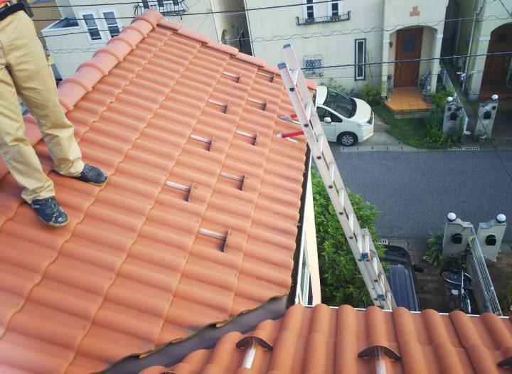 素焼きの洋瓦が美しい屋根