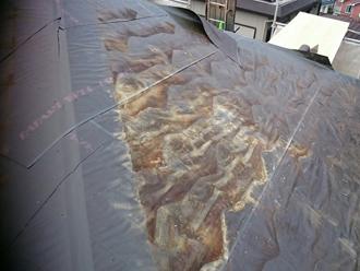 武蔵野市 防水紙も傷んでいる