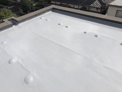陸屋根へのウレタン防水施工後