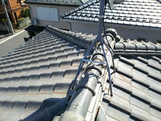 屋根葺き替え前の瓦屋根