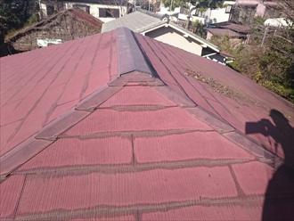 塗膜の劣化した屋根