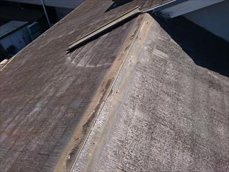 棟板金と貫板が飛んでしまっています