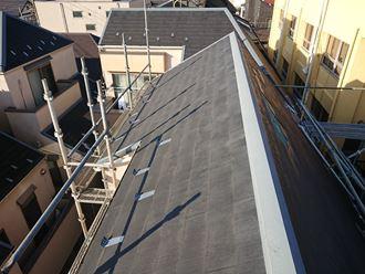 足場がないと登れない屋根